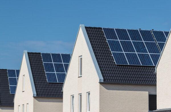 Eigenaar zonnepanelen mag vanaf 2023 minderen salderen